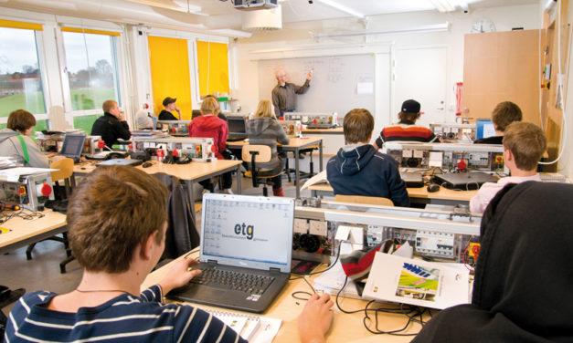 Elteknikbranschens gymnasiums fokus ger eleverna möjlighet till färdigt yrkesbevis