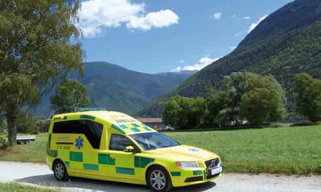 Personbil omformas till ambulans med höga säkerhetskrav