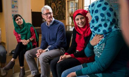 Apples samarbetar med Malala Fund till stöd för flickors skolgång