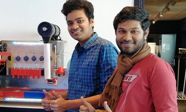 Örebrostudenterna byggde en barrobot – kan blanda 500 olika drinkar