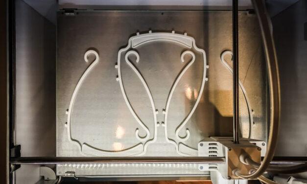 Kanozi 3D-printar skyddsutrustning under Covid-19-pandemien