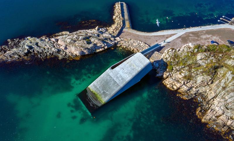 Krävande analyser i flera steg när spektakulär undervattensrestaurang dimensionerades med FEM-Design