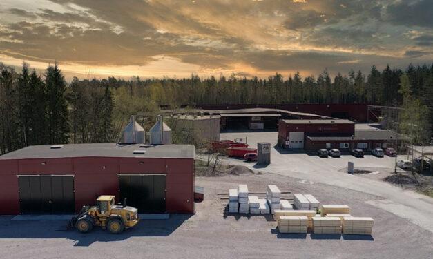 Woodsafe bygger länets största takmonterade solcellsanläggning