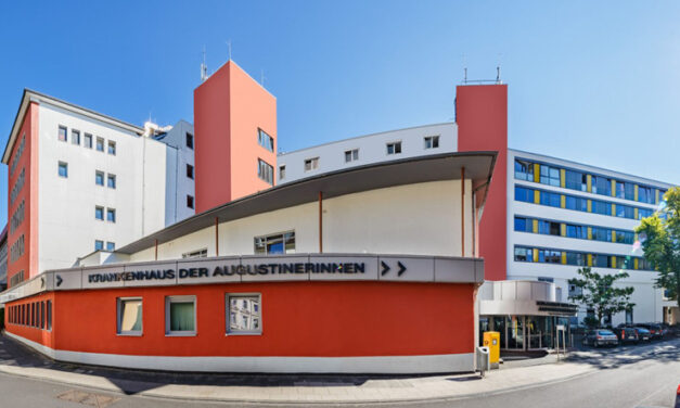 """German hospital turns to AI and Philips 10"""" touch displays for enhanced patient safety and room cleanliness"""