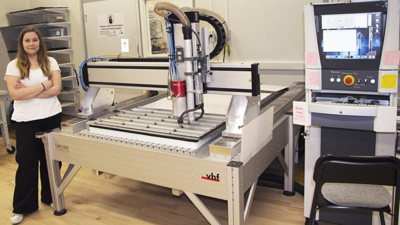 JC Gravyr & Tryck först ut att få ett vhf CNC-fräsbord levererat från Signcom